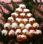 Christmas Tree Bread makes a great centrepiece for any festive table - a delicious Christmassy tear & share bread packed with fruit & spices to be enjoyed by all the family!