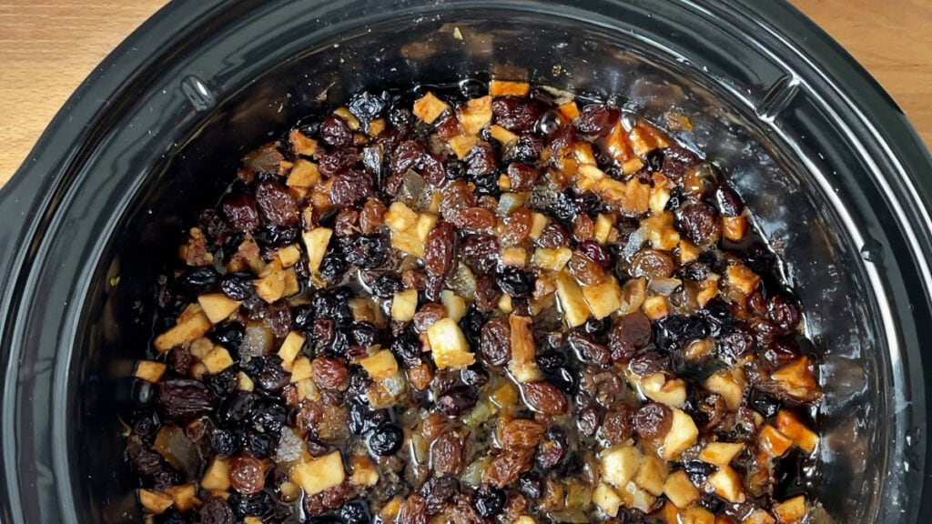 Finished mincemeat in the slow cooker.
